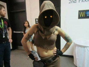 Star Wars Jawa Cosplayer