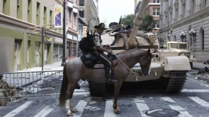 Walking Dead – Horse and Tank