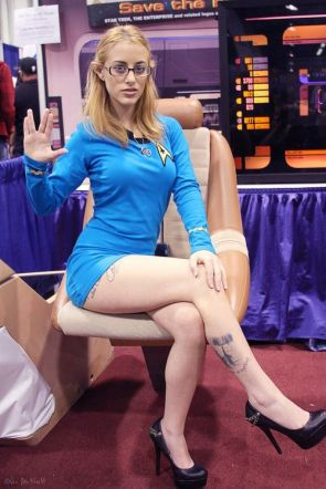 Sexy Vulcan Cosplayer