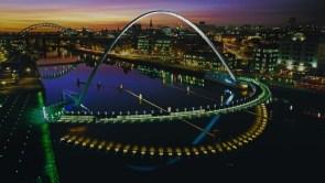 Gateshead Millennium Bridge_