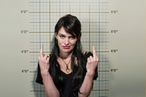 Lena Headley gives you the finger