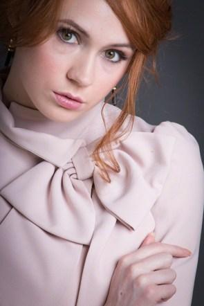 Karen Gillan – Selfie