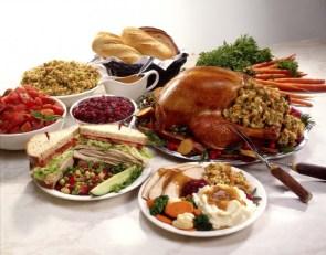 Happy Thanksgiving Wallpaper – Full Dinner