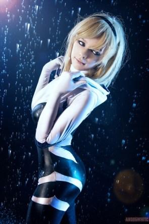 Spider-Gwen in the rain by Taorich