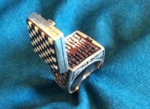 Tiny Ring Chess Set