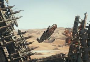Millenium Falcon on the run