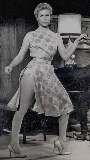 Barbara Eden Vs Elizabeth Montgomery