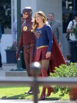 The Flash (Grant Gustin) and Supergirl (Melissa Benoist)