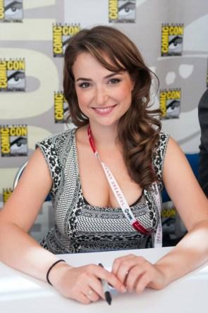 Milana Vayntrub at Comic Con