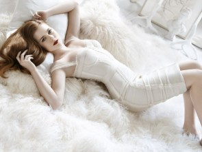 amy adams in white on white while white