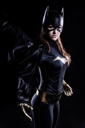 batgirl cosplayer