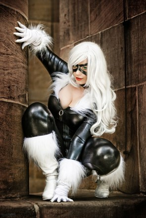 furry black cat cosplayer
