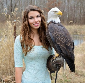 Eagle Holding Beauty