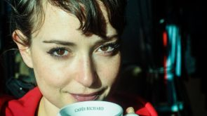 milana vayntrub has brown eyes