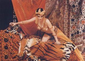 Marylin Monroe as Theda Bara