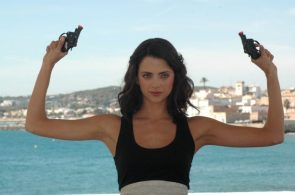 Macarena Gómez loves guns