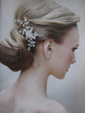 diamond flower hair holder