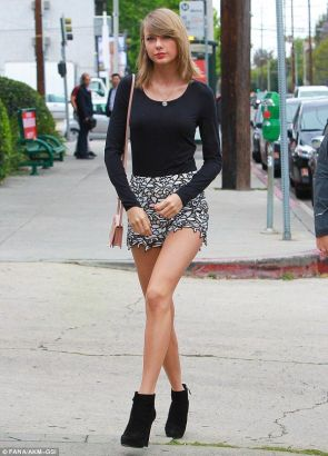 taylor swift is leggy