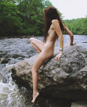 girls-in-nature-25