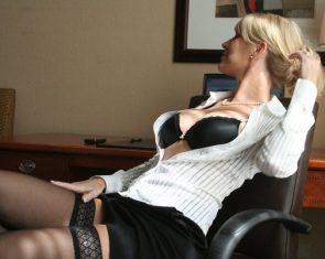 office blonde assistant