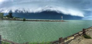 incoming cloud wave