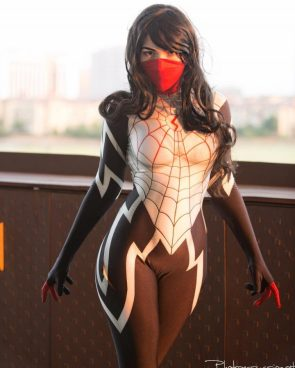 OMG Cosplay as Silk