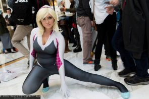 Spider-Gwen cosplay pose