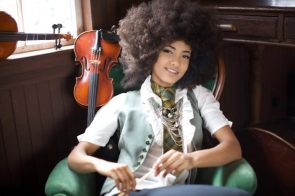 Esperanza Spalding has neat hair
