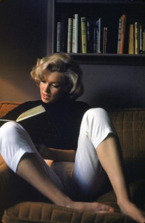 Marilyn Monroe Reading A Book
