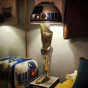 Star Wars Leg Lamp