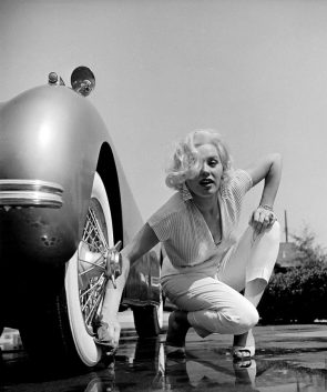 Blonde car woman