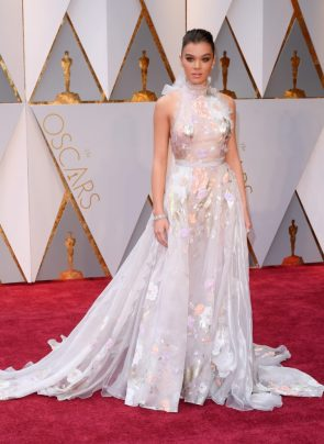 Hailee Steinfeld at the 89th Academy Awards