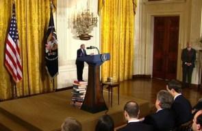 Tiny Trump gives a press conference