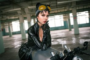 catwoman cosplayer