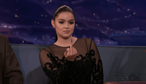 Ariel Winter gives Conan the middle finger and is angry