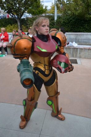 Metroid Cosplayer