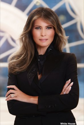 First official White House portrait of Melania Trump