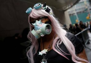 gas mask cosplayer