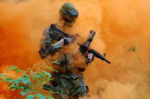 smoke bomb gas mask