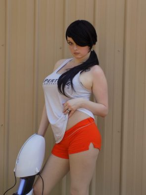Chell by Ellen Ridley Cosplay
