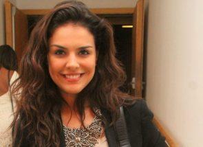 Paloma Bernardi has a great smile