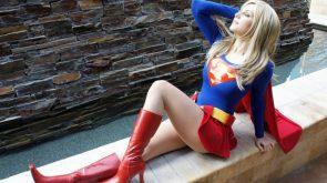 Supergirl looking fabulous
