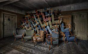 don't chair, open inside