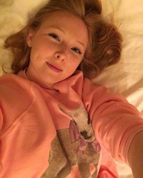 Molly Quinn Selfie