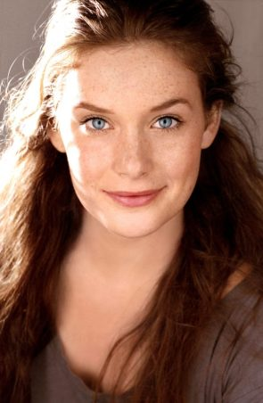 Rachel Keller has nice blue eyes