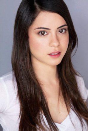 Rosa Salazar has glasses eyes