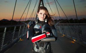 Shepard Cosplayer