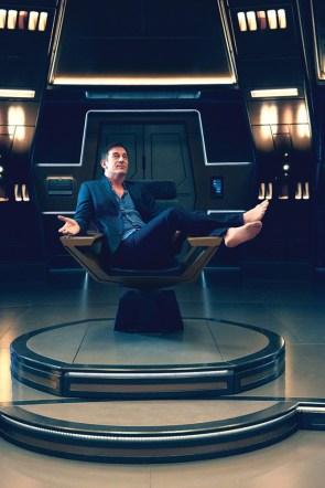 Jason Isaacs has no shoes