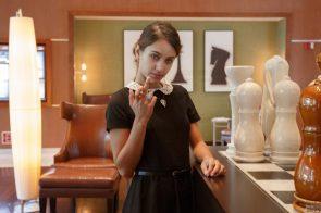 Uma Jolie Shows you her middle finger