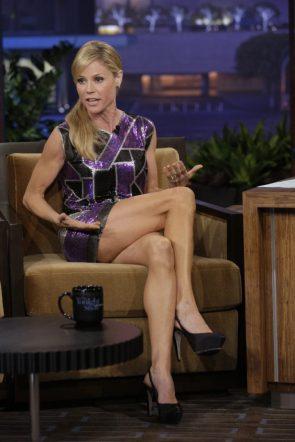 julie bowen sexy legs
